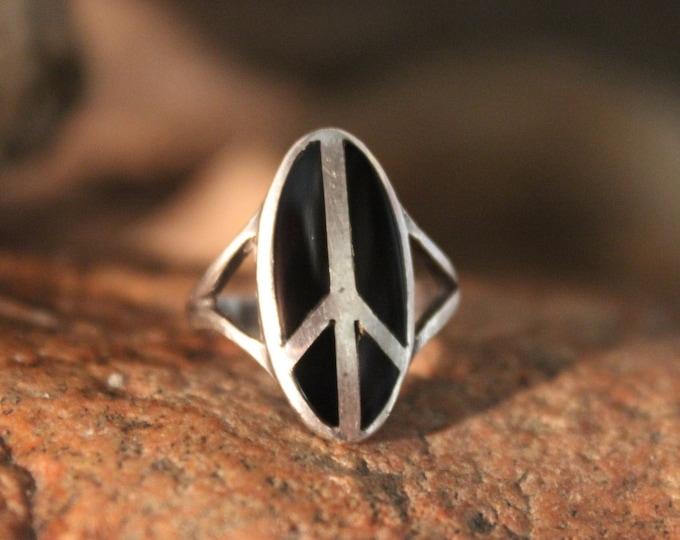 Vintage Silver Peace Ring Ladies Vintage Rings  Sterling Silver Peace Ring 3.6 Grams Size 4 Silver Hippy Rings Unisex sterling Peace Ring