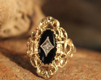 Vintage 10k Solid Gold Diamond Ring Onyx Gold Ring 3.9 Grams Gold Woman Diamond Ring Size 9 Gold Ring Vintage Onyx Ring Vintage Diamond Ring