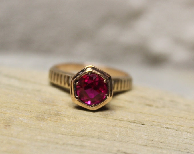 1920's Vintage Solid Gold Ruby Ring 10K Gold Ruby Deco Ring 2.5 Grams Size 6.5 Ruby Vintage Engagement Ring Vintage Solid Gold Ruby Rings