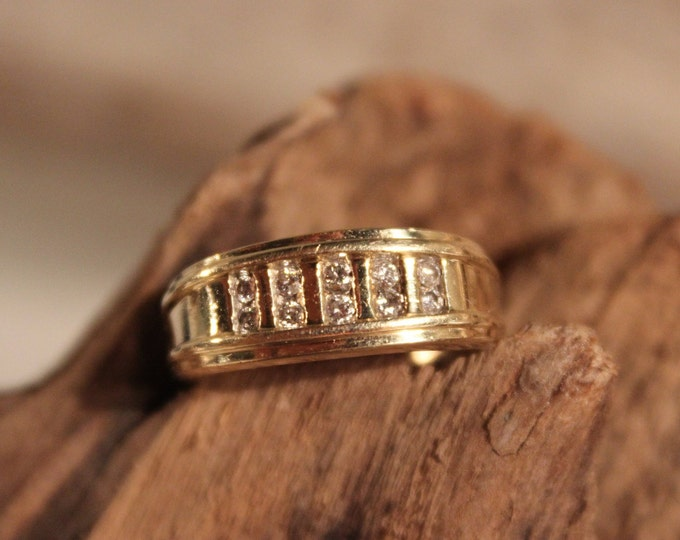 Mens Wedding Diamond Ring Mens 10K Yellow Gold  Ring 10 Diamonds 3.9 Grams Size 8  Mens Diamond Wedding Band Vintage Gold Rings Mens Diamond