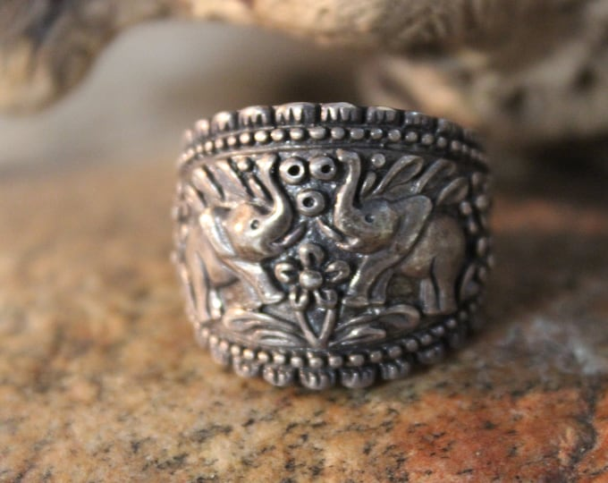 Vintage Sterling Silver Elephant Ring 10.7 Grams Size 9 Stamped 925 Thailand Sterling Silver Mens Ring mens Silver Ring Vintage Silver Ring