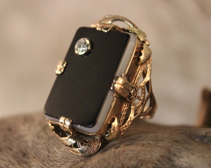 Vintage 10k Solid Gold Diamond Ring Onyx Gold Ring 5 Grams Gold Womans Diamond Ring Size 4 Gold Rings Vintage Onyx Ring Vintage Diamond Ring