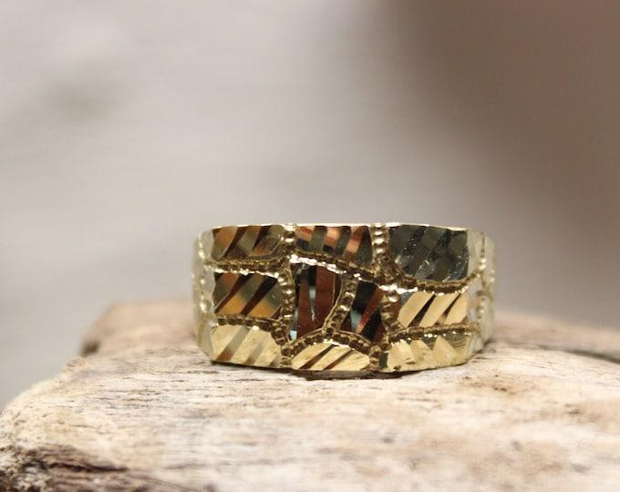 1990's Vintage Mens Diamond Cut Ring Gold Nugget Ring 10K Solid Gold Mens Ring 3.9 Grams Size 8 Mens Vintage Ring Mens 10K Gold Signet Ring