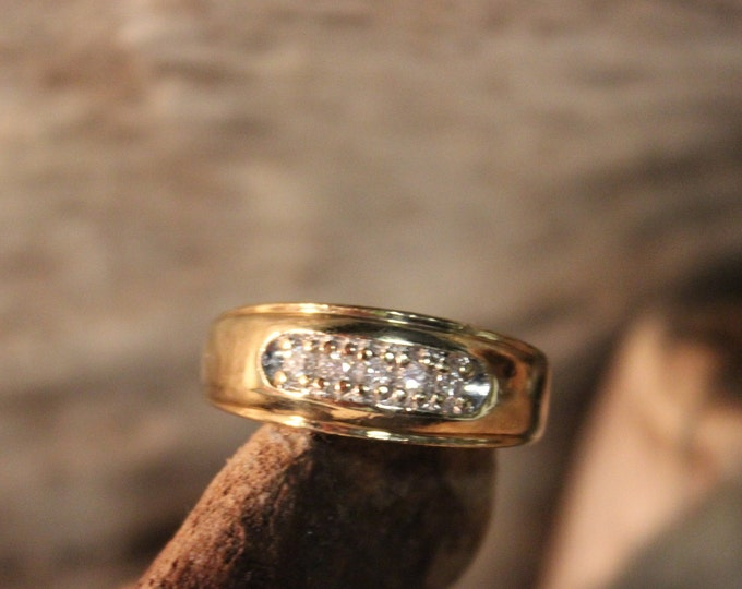 Vintage Diamond Ring Mens 10K Solid Yellow Gold  Ring 5 Diamonds 6.9 Grams Size 10  Mens Diamond Wedding Band Vintage Gold Ring Mens Diamond