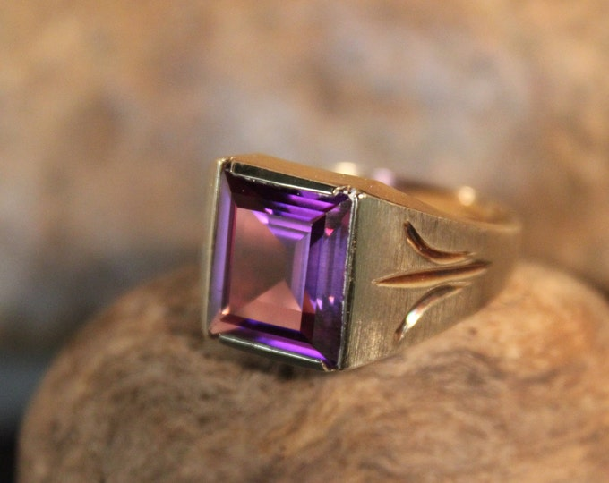 Rare Mens Large Alexandrite Ring 10K Solid Gold Mens Ring 5.2 Grams Size 10.5 Vintage Mens  Gold Ring Mens Large Purple Alexandrite Ring