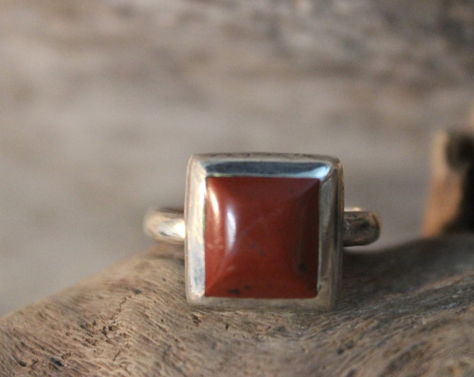 Vintage Hand Made Artist Sterling Silver Carnelian Gemstone Ring Size 7.5 Weight 3.9 Grams Ladies Rings Ladies Vintage Jewelry 925 Sterling