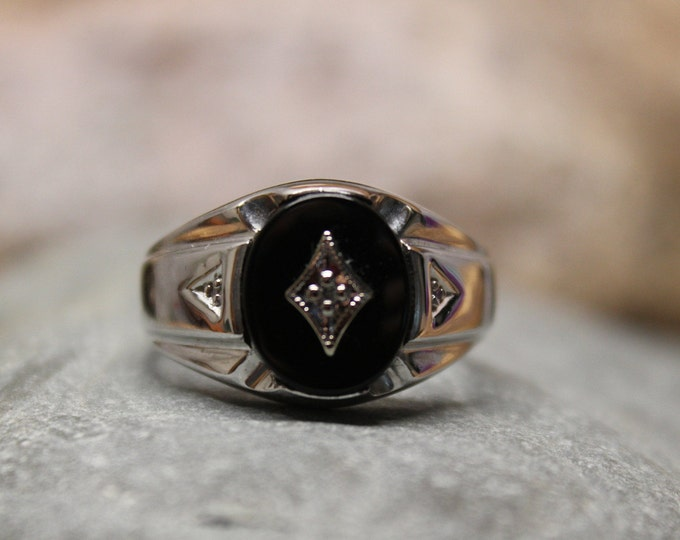 1980's Vintage  Mens Large Diamond Onyx Ring 10K Solid White Gold Mens Ring 7.3 Grams Size 10.5 Men Vintage Onyx Man Ring Mens 10K Onyx Ring