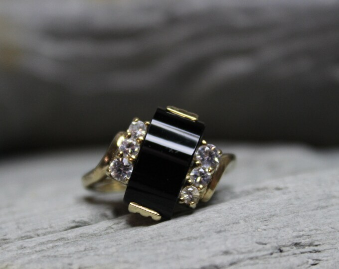 1940's Vintage Deco10k Solid Gold Onyx Sapphire Ring Onyx Gold Ring 3.1 Grams Size 5.75 Gold Woman Sapphire Ring Gold Ring Vintage Onyx Ring