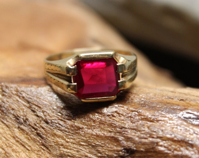 1930's Mens Ruby Gold Ring Mens 10K Solid Yellow Gold Large ruby Ring 4.1 Grams Size 9 Mens Ruby Rings Vintage Gold Rings Man ruby ring