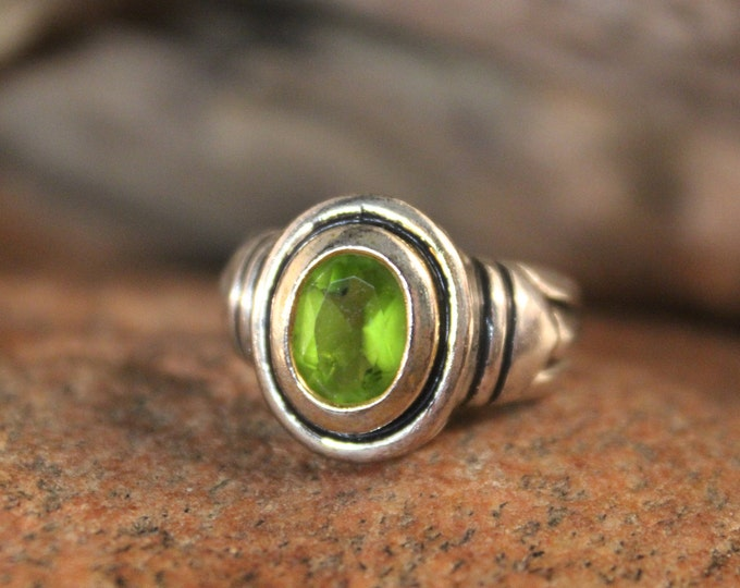 Vintage Peridot Sterling Silver Ring Size 6.5 Weight 5.3 Grams Silver Vintage Rings  Vintage Ring Silver Peridot Ring Sterling Vintage Rings