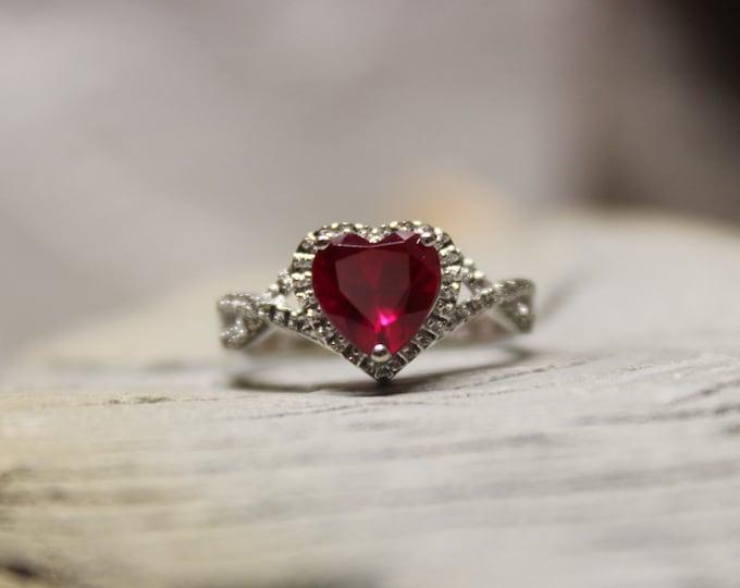 1980's Ruby Diamond Ring 10K White Gold Heart Ruby Diamond Ring 2.1 Grams Size 5 Ruby Diamond Engagement Ring Vintage Gold Rings  Diamond