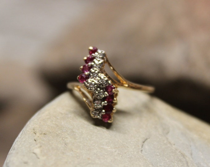 1970's Vintage Ruby Diamond Ring 10K Solid Gold Ruby Diamond Ring 2.4 Grams Size 6 Ruby Diamond Engagement Ring Vintage Gold Rings  Diamond