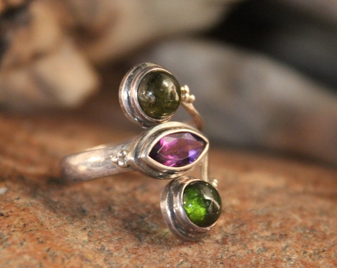 Vintage Amethyst Peridot Sterling Silver Ring Size 8 Adjustable Weight 4.7 Grams Silver Vintage Rings  Vintage Ring Silver Amethyst Ring