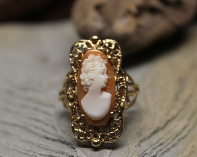 Vintage 10k Solid Gold Cameo Ring 4.4 Grams Size 6 Large Cameo Gold Ring Cameo Shell Yellow Gold Victorian Rings Vintage Cameo Gold Rings