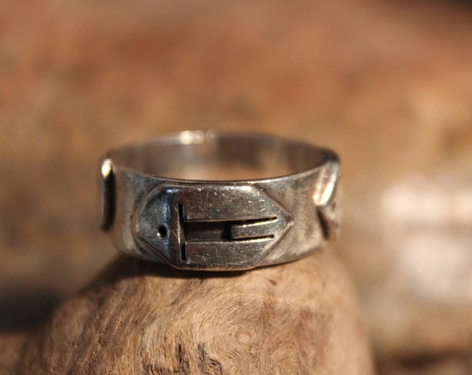 Vintage Storyteller Ring Size 7.5 Mexico Mens Silver Rings Sterling Silver Vintage Storyteller Man Ring 7.3 Grams Vintage Storyteller Ring