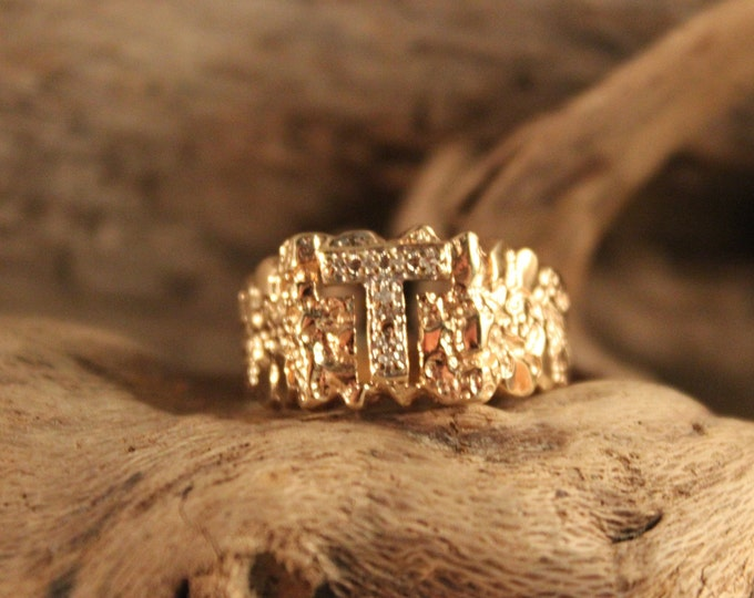 Mens Vintage Diamond Ring Mens 10K Solid Yellow Gold Ring 7 Diamonds 3.9 Grams Size 7.5  Mens Initial Ring Vintage Gold Rings Mens Diamond