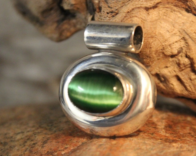 Large Cats Eye Pendant Vintage Mexico Sterling Silver Heavy 23.2 grams Large Natural Green Cats Eye Necklace Pendant  Vintage Silver Pendant