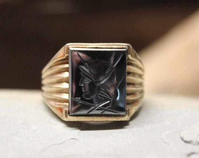 1940's Mens 10K Solid Gold Ring Roman Soldier Intaglio Ring 6.1 Grams Size 11 Vintage Mens Hematite 10K Yellow Gold Ring Roman Men Gold Ring