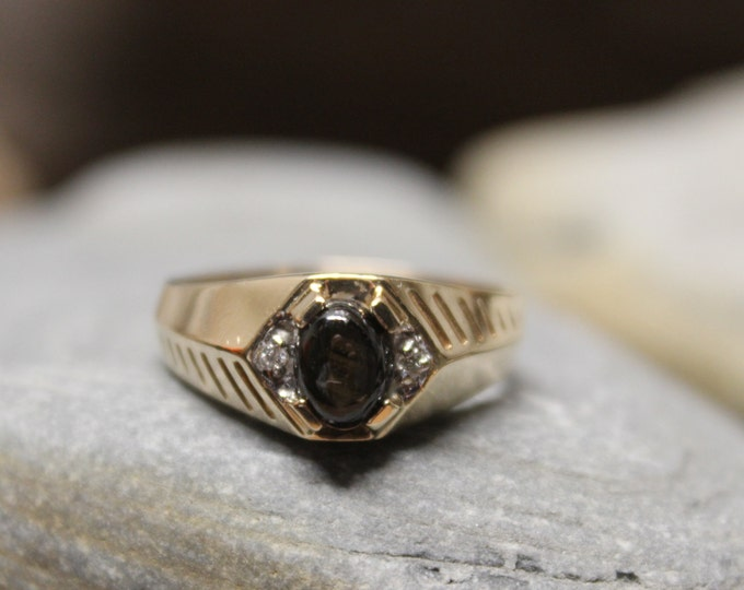 1980's Vintage Mens Cats Eye & Diamond Ring 4.9 Grams Size 9.5 Solid 10K Gold Mens Ring Vintage Mens Gold Diamond Ring Mens Vintage Ring