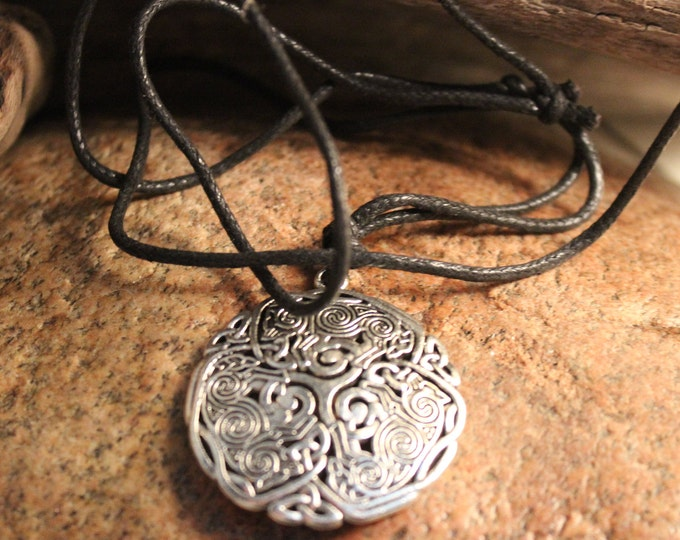 Norse Viking Celtic Knott Norse Pendant  Odin's Valknut Pendants Odin Viking Wolf Necklace Size Adjustable 13.6 Grams Mens Viking Jewelry