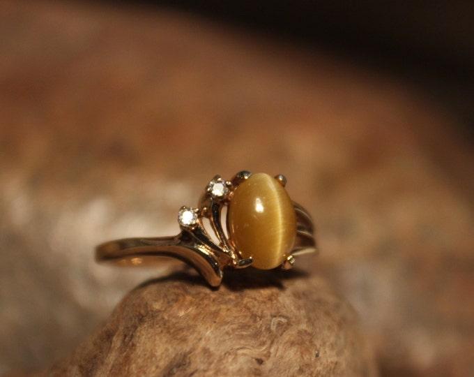 Vintage 10k Solid Gold Diamond Ring 3.1 Grams Amber Tigers Eye Gold  Ring Size 7.5  Yellow Gold Diamond Rings Vintage Diamond Amber Rings