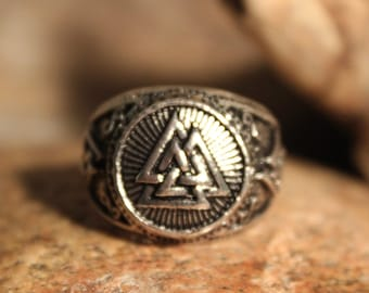 Mens Silver Valknut Rustic Viking Signet Ring Size 11 Oden Viking Ring 11.2 Grams Mens Viking Valknut Rings Viking Rings Mens Viking Rings