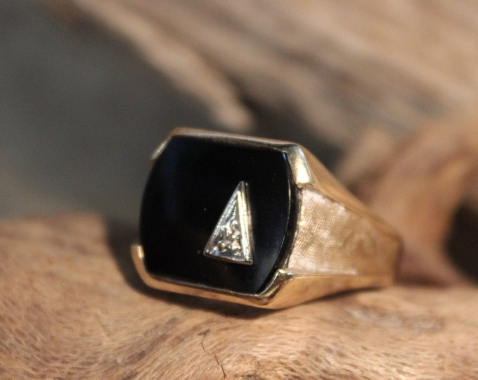 1970's Vintage Mens Diamond Ring Diamond Onyx Ring 10K Solid Gold Mens Ring 8.1 Grams Size 11.5 Vintage Diamond Ring Mens 10K Signet Ring