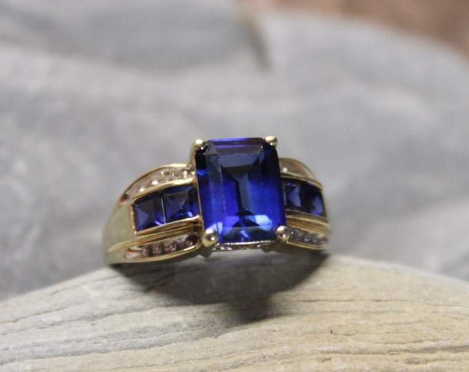 Vintage 10k Gold Sapphire Ring 3.3 Grams Blue Sapphire & Diamond Ring Size 7 Vintage Diamond Gold Rings  Vintage Sapphire Diamond Rings