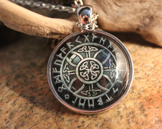 Viking Vegvisir Compass Pendant Necklace Symbol of Norse Runic Necklaces Valknut Viking Pendant Necklace 13.8 Grams  Mens Viking Pendants