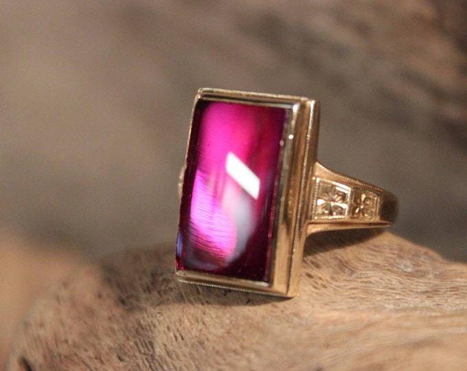 Vintage 10k Solid Gold Ruby Ring 6.2 Grams Size 6.5  Gold Womans Ring  Womans Yellow Gold Rings Vintage Ruby Ring  Vintage Gold Ruby Rings