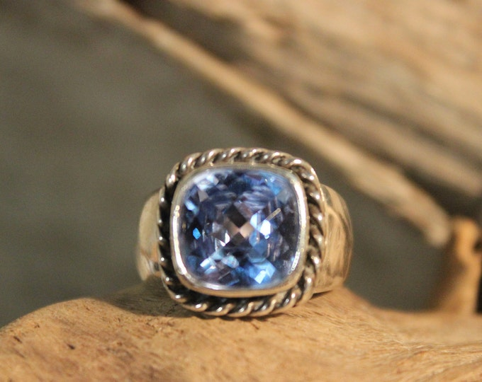 Vintage Large Blue Topaz Sterling Silver Ring Size 5.75 Weight 7.4 Grams Ladies Vintage Blue Topaz Ring Blue Topaz Vintage Sterling Ring