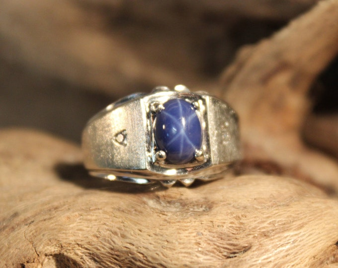 Vintage Mens Blue Star Sapphire & Diamond Ring 10K Gold Mens Ring 4.7 Grams Size 7 Vintage Mens Gold Diamond Ring Mens Star Sapphire Ring