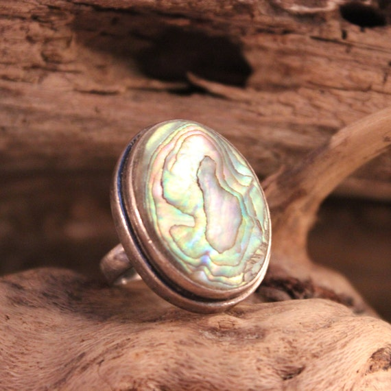 Large Sterling Mexican 925 Abalone Ring Native Heavy 13.4 grams Size 7 Stamped large Vintage Abalone shell Inlay Mexican Silver Vintage Ring