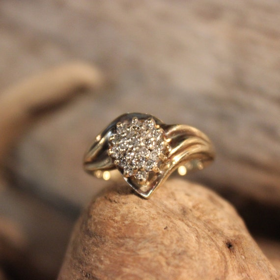 Diamond  Ring 10K Solid Yellow Gold 1/4CT Diamond