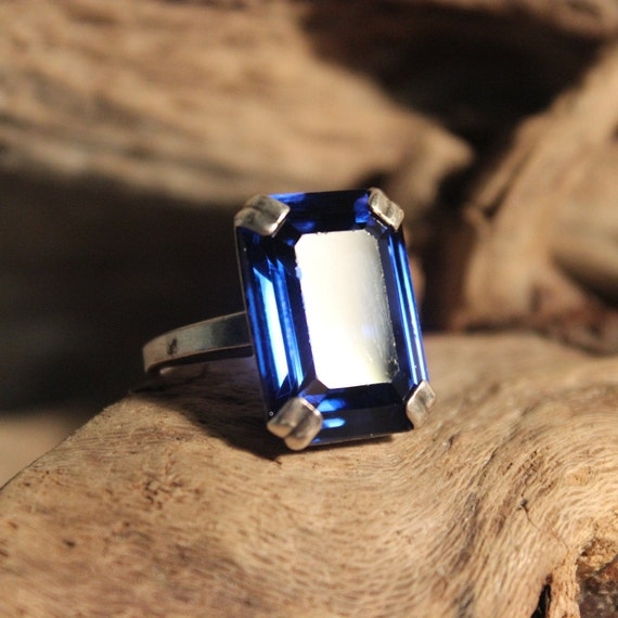 Vintage Sterling Silver Ring Large  Blue Stone Ring Size 5.5 Weight 6.3 Grams Ladies Vintage Ring Ladies Vintage Jewelry Silver Vintage Ring