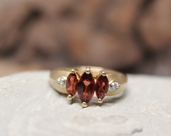 1960's Vintage Garnet Diamond Ring 10K Gold Diamond Ring 3.5 Grams Size 7 Garnet Diamond Engagement Ring Vintage Gold Ring Diamond Garnet