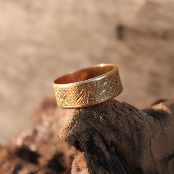 Vintage 18k Gold Wedding Band 4.8 Grams Mens Womans Yellow Gold Wedding Ring Size 8 Mens Vintage Gold Rings Gold Vintage Wedding Band Mens