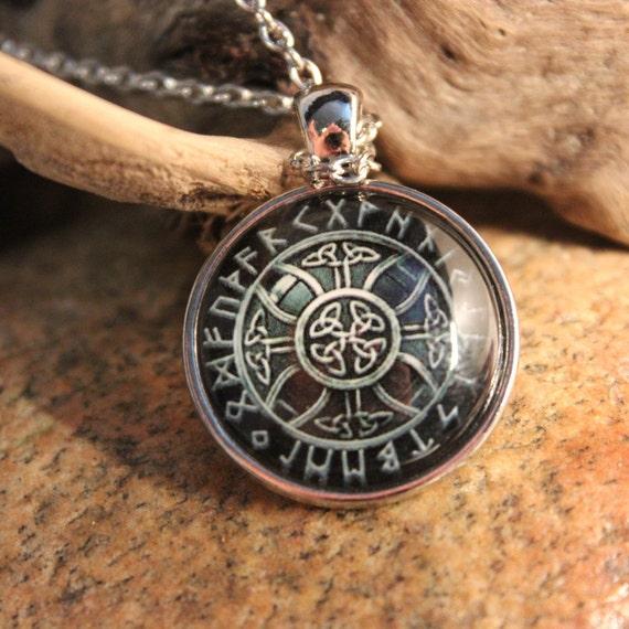 Viking Vegvisir Compass Pendant Necklace Symbol of Norse Runic Necklaces Valknut Viking Pendant Necklace 13.8 Grams  Mens Viking Pendants