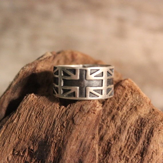 Sterling Mexico Union Jack Flag Ring England Flag Ring 3.4 Grams Size 5.75 Stamped 925 Vintage Sterling Ring Mexican Silver Vintage 925 Ring