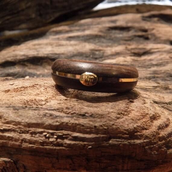 Vintage 18 kt Gold Mens Ring 1.1 Grams Milor Gold Wood Ring Size 8 Signed 18K Italy Milor Vintage Gold Ring Milor  Ring Wood Band Ring