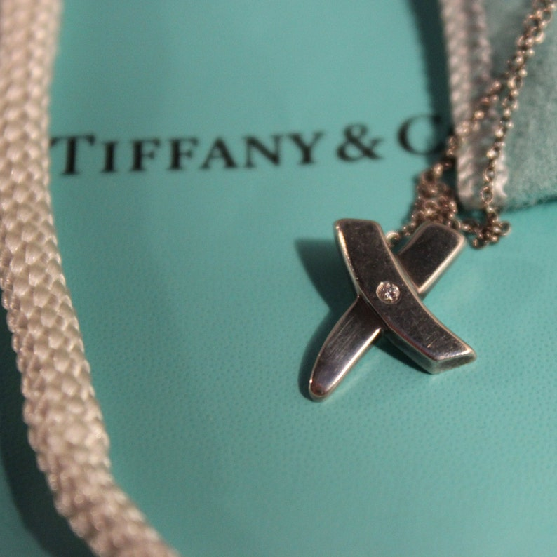 b2e172cf7 Tiffany & Co Paloma Picasso Kiss Diamond Pendant Necklace | Etsy