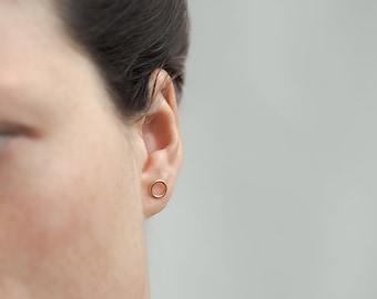 Circle Shaped Stud Earring