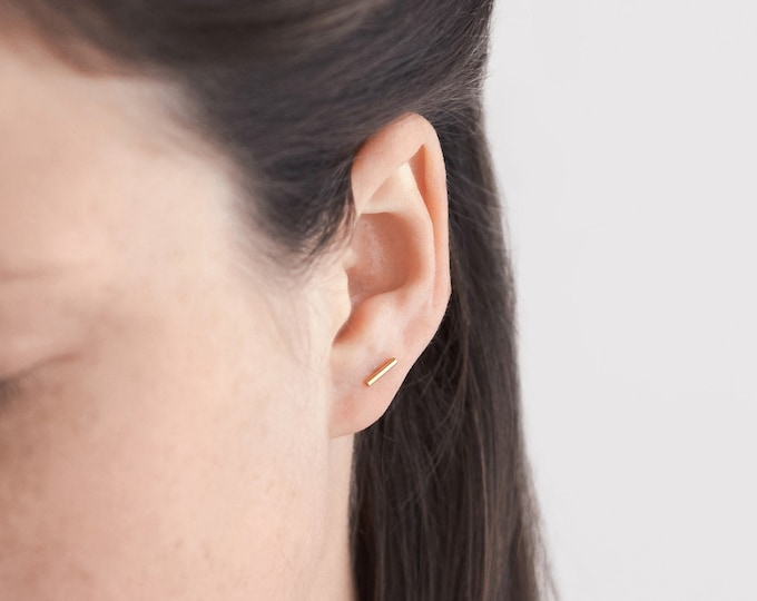 Featured listing image: A single bar line stud earring