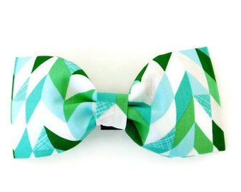Green and blue herringbone dog bow, herringbone dog collar bow, green holiday dog bow tie, green cat bow tie, multicolor bow,