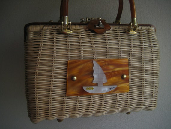 VTG Wicker with Sailboat Trim