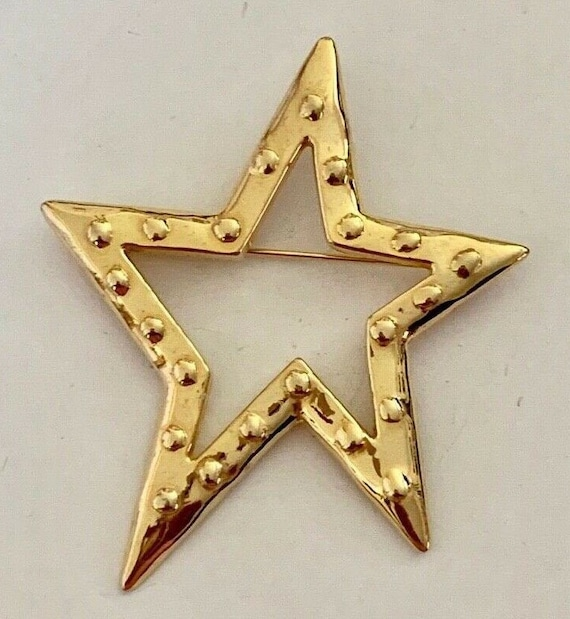 Star Search!  Two Lovely Brooches.