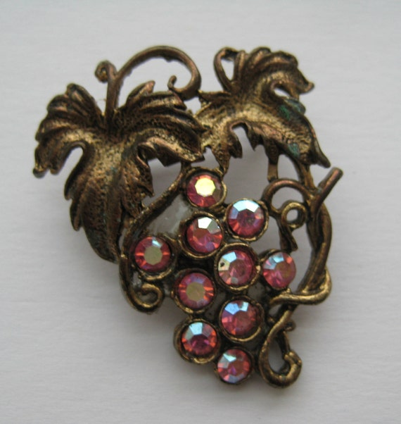 VTG Pink Rhinestone Grape Cluster Brooch