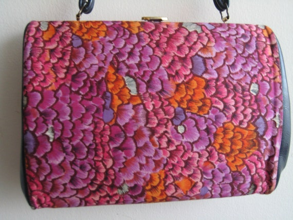 Feather-Like Flower Design VTG Handbag