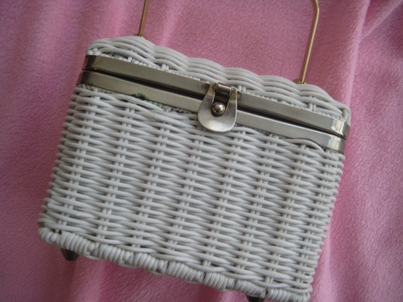 Perfect Little Wicker Box Bag