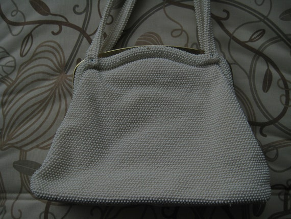 White Beaded Bag by Lumured.